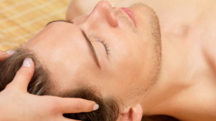 aroma-therapy-scalp-treatment