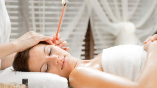 ear-candling-01