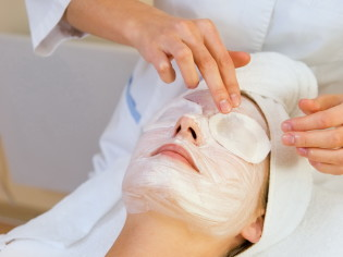 herbal-eye-treatment